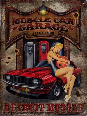 Muscle Car Garage 33x25